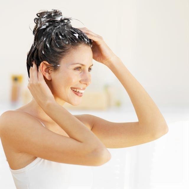 Víte, kolikrát týdně potřebujete umýt vlasy?