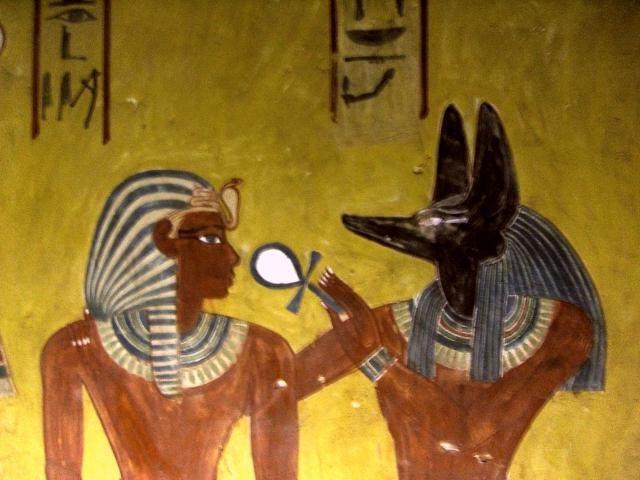 Anubis je božstvo starověkého Egypta s hlavou šakala, boha smrti