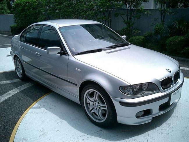 BMW-318 je solidní vůz třídy