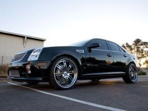 Cadillac STS - velké a výkonné auto v americkém stylu