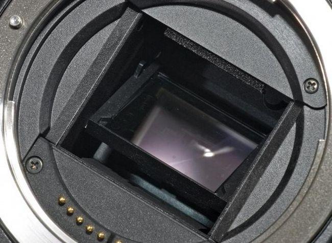 Jaký je rozdíl mezi digitálním fotoaparátem a digitálním fotoaparátem a proč je tato otázka nesprávná?