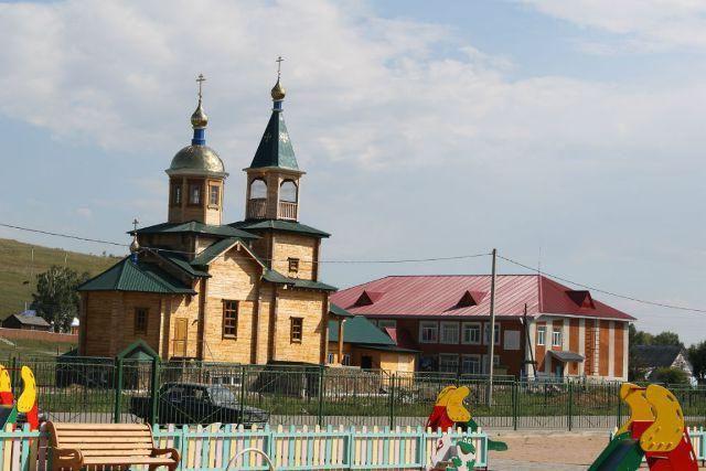 Hořké jezero, Novichikhinsky okres Altai: rekreační střediska a sanatoria