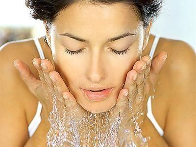 Jak se zbavit akné snadno?