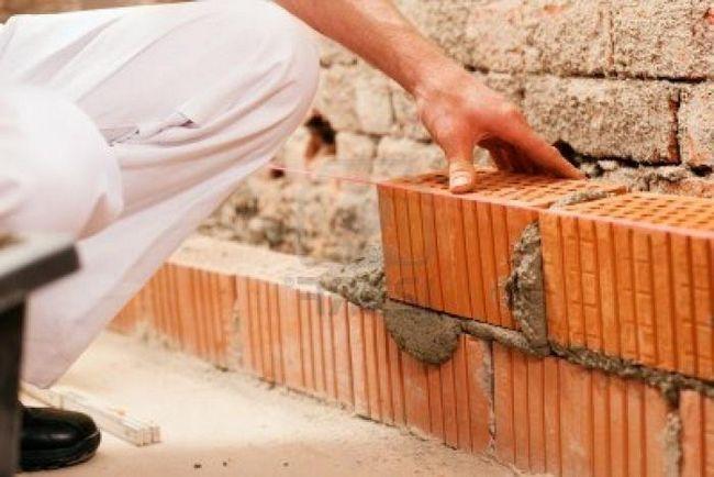 Jak položit cihlu? Krátká prohlídka stavebního průmyslu