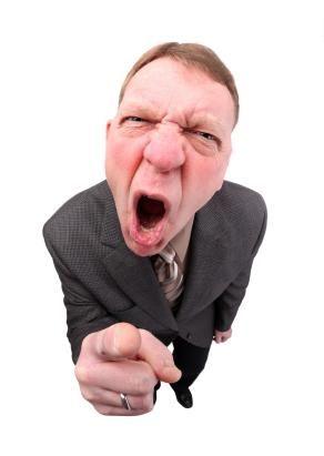 Jak reagovat na hrubost zaměstnanců a nadřízených