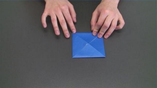 Jak vyrobit pyramidu papíru? Podrobné pokyny
