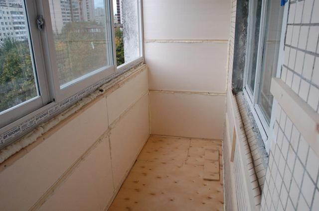 Jak glazurovat a izolovat balkon