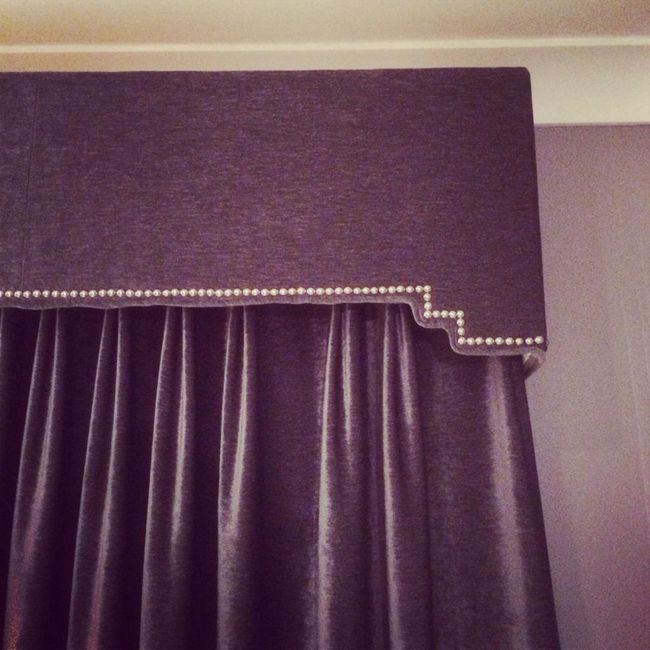 Lambrequin pro ložnici: možnosti pro styl a design