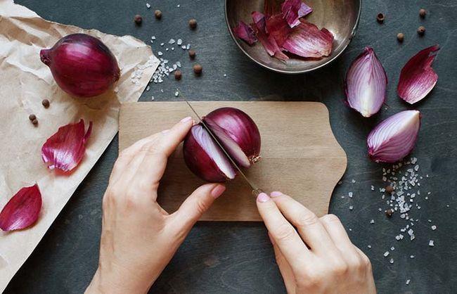Cibulová polévka pro hubnutí: výhody, recepty, obsah kalorií, recenze a výsledky