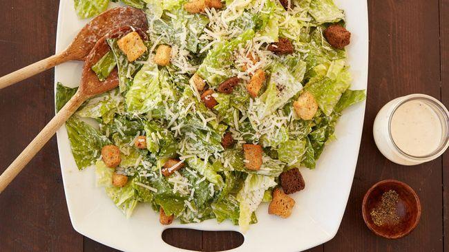připravujeme Caesarský salát