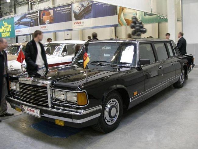 Sovětská limuzína ZIL-41041 - pýcha doby