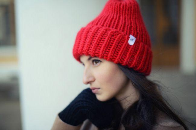 Pleteme klobouk pletacími jehlami: modely, fotografie, popis práce